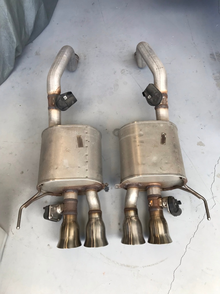 Photo C7 Corvette exhaust. Complete: manifolds, down pipes, cats, mufflers