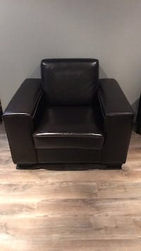 Brown leather chair Dorval, H9S