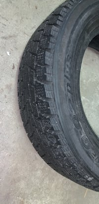 Toyo 2 winter tires 205-65-16 Châteauguay