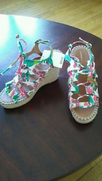 pair of green-and-pink floral wedge sandals Winnipeg, R2K 0X3