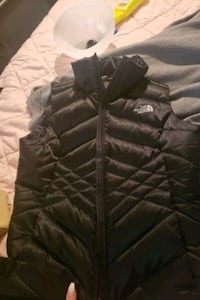Brand new north face only wore once need it gone by today moving  Martinsburg, 25401