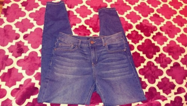 Two Blocks Off size 8 jeans