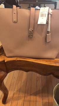 Michael Kors Large Leather Tote! New with tags 11x17 Massapequa, 11758