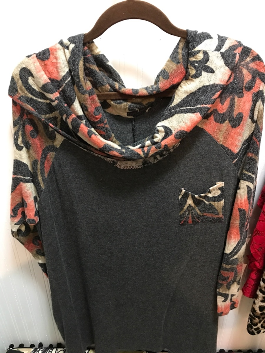women's black blouse - Lubbock