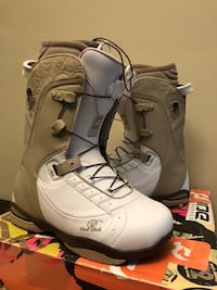 New in the box women's size 8 Ride snowboard boots Arlington, 22204