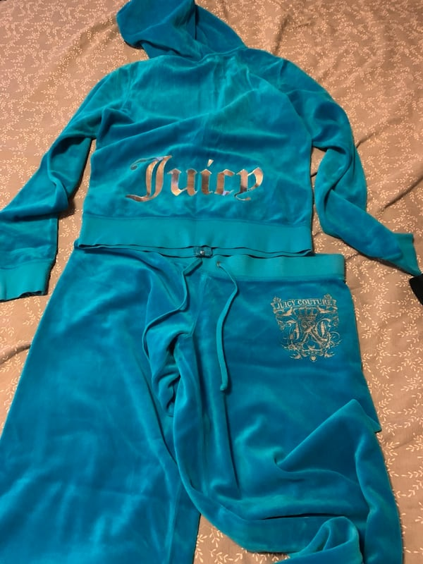 Juicy couture jumpsuit size med/large 90f2c1ab-46de-4ebb-b96b-4dafbe62095a
