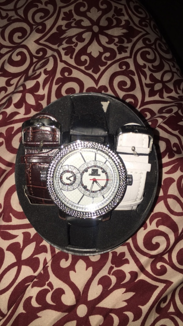 round silver chronograph watch with black leather strap 5d88be62-02c8-47cd-b23c-3100c2fd722a