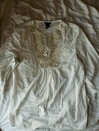 White and gold size medium tunic Riverview, E1B 1J4