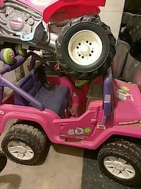 pink Jeep Wrangler toy ride on