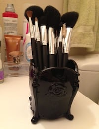 Brand new Anna sui makeup brush holder  Oakville, T1Y
