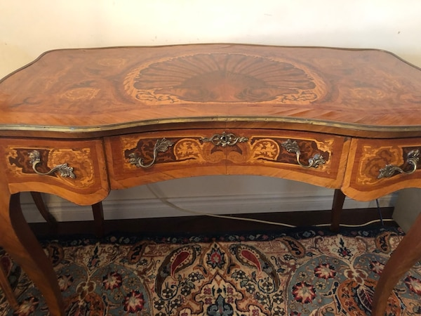 Antique French desk delivery available.. 43a142d1-bbab-4af9-803e-7d90a8034fe3
