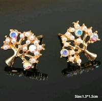 two gold-colored and pink gemstone earrings Montreal, H8T