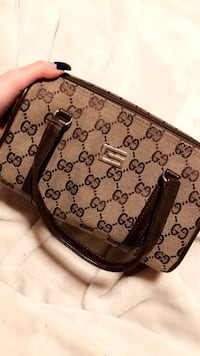 Mini Gucci hand bag Calgary, T1Y 0C1