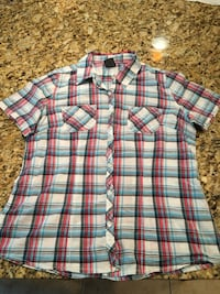 Women's white, blue, and red plaid button-up short-sleeve Dubuque, 52002