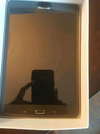 Samsung Tablet St. Catharines, L2M 7Y9