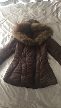 Arctic North brown fur collar parka. Size small. Pick up only 535 km