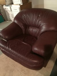 Burgundy leather love seat, chair, and ottoman.   Churchville, 21028