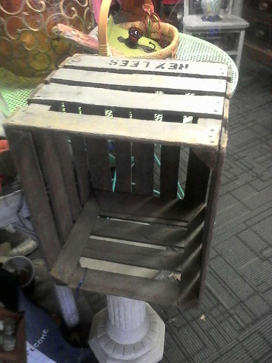 Used apple crate in elyria for Used apple crates