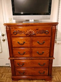 Nice big wooden chest dresser with big drawers in  Annandale, 22003