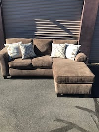 New Reversible Chaise Sectional  165 mi