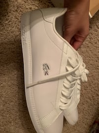 Brand new women's Lacoste sneakers Surrey, V3S 0M8