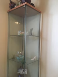This beautiful display case is perfect for knickknacks or trophies! All glass in excellent condition. New Carrollton