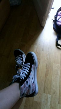 New Vans shoes Budapest, 1081