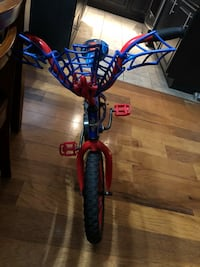 Spider man bike and helmet  Waldorf, 20601