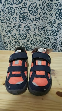Brand new kid shoes size 10.5
