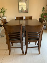 Pub height dining room set with four matching chairs Las Vegas, 89183