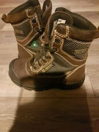 Mens work boots 6 or fits womens 7 .5 hardly worn, mint condition  New Tecumseth, L9R 1G7