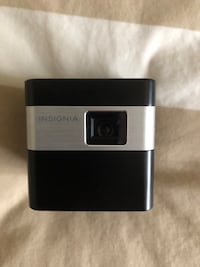 Insignia Projector great condition ( 1 Inch by 1 Inch ) projects up to 80 Inch display  Bowmanville, L1C 4M9
