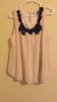 women's white and black sleeveless top Alexandria, 22306