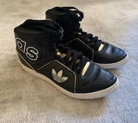 Adidas high tops size 7 womens Fort Lee, 07024
