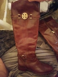 6 1/2 GENUINE Tory Burch Leather boots East Providence, 02915