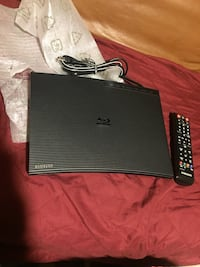 Brand New Samsung Blu Ray Disc Player with Samsung Remote 30 km