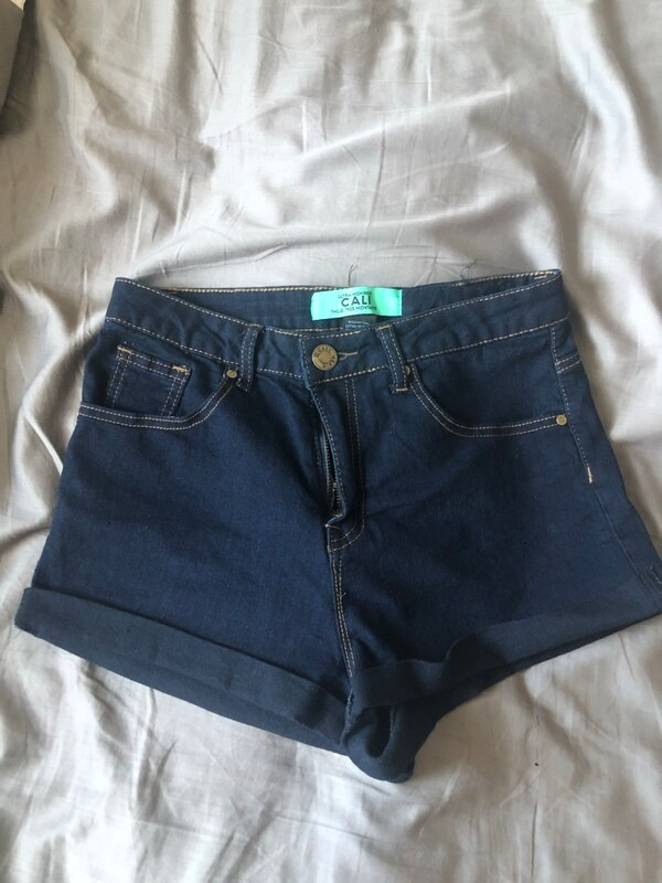 Never worn size 7 high rise shorts
