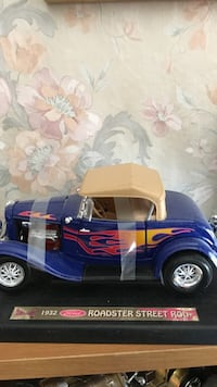 blue 1932 Ford roadster Street Rod diecast scale model Daly City, 94015