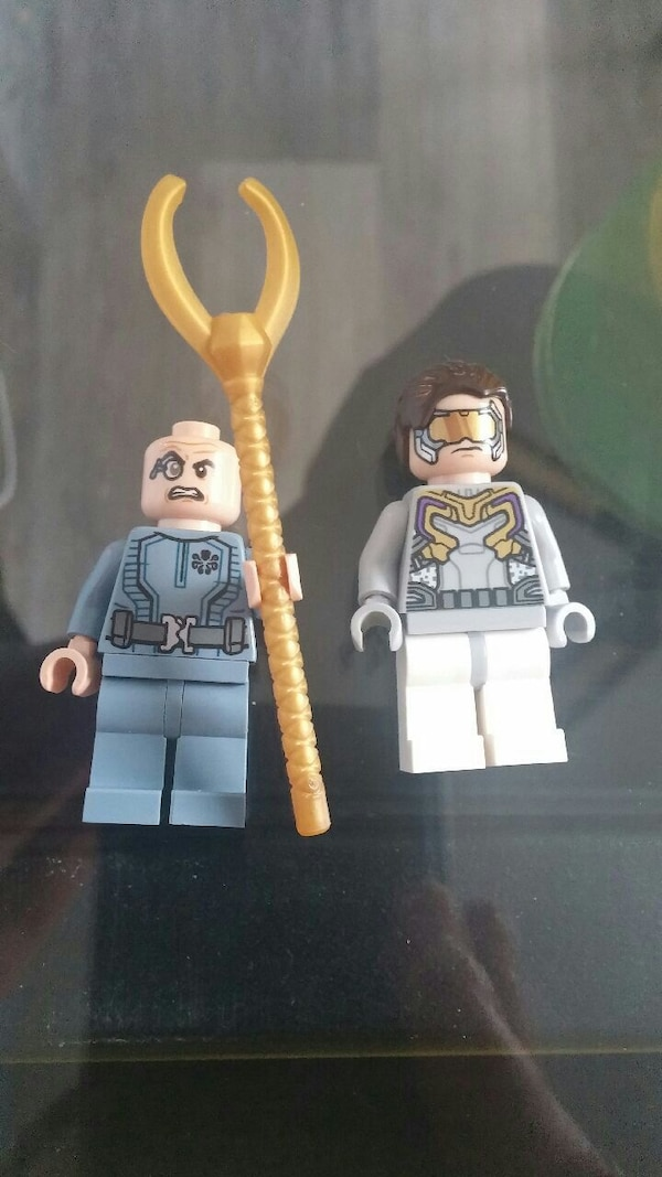 two assorted-character LEGO minifigs