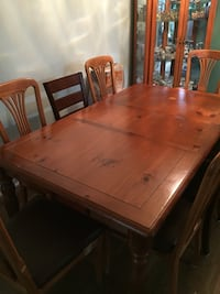 Dining Table for Sale! Toronto, M9R 1T2