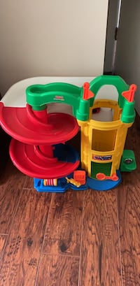 Kids stack up racing track