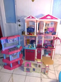 Doll house and kitchen