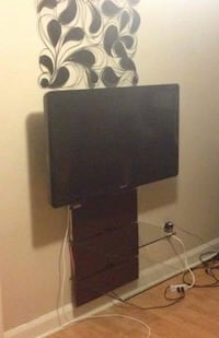 TV and Wall-mount/Shelving unit!! St Catharines, L2S 3L6