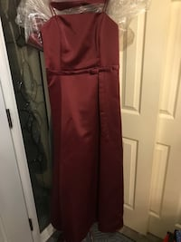 Maroon dress, can also be strapless