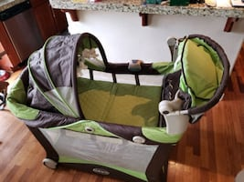 Graco bassinet pack and play