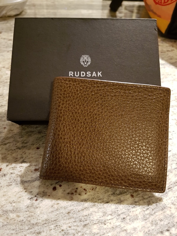 Brand new RUDSAK men's leather bifold wallet