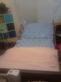 white and blue bed sheet 43 km