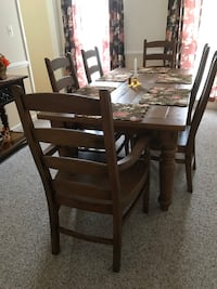 Large, Immaculate Pottery Barn Sumner rustic dining room set Germantown, 20874