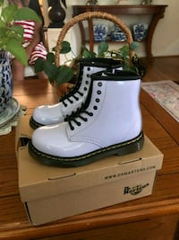 Dr martens boots toddler sz 10 purple Silver Spring, 20906