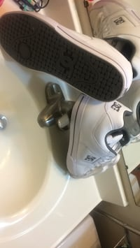 White and black DC shoes still fresh never worn  43 km